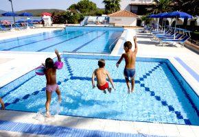 piscina hotel porto conte alghero sardegna 1