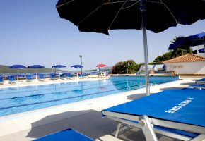 piscina hotel porto conte alghero sardegna 5