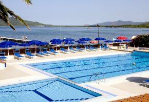 piscina hotel porto conte alghero sardegna 6